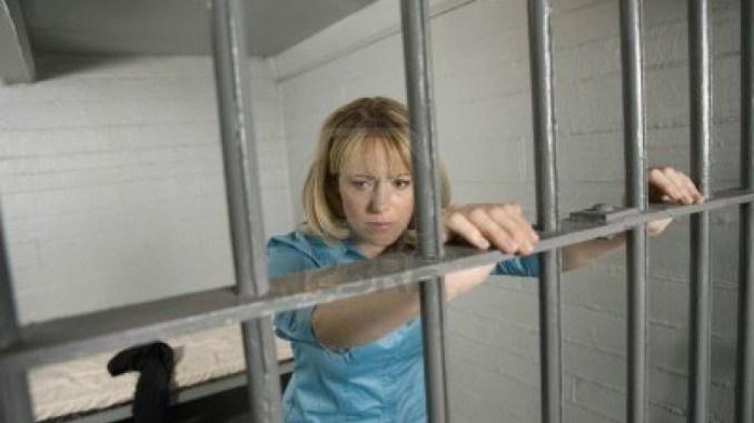 Rapinatrice torna in carcere, aveva droga in casa
