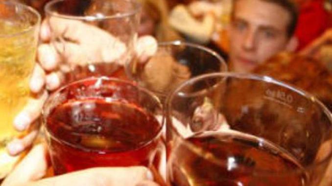 Minorenne in coma etilico, denunciata barista di Sigillo