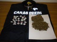 Involucri di marijuana sequestrati alla donna