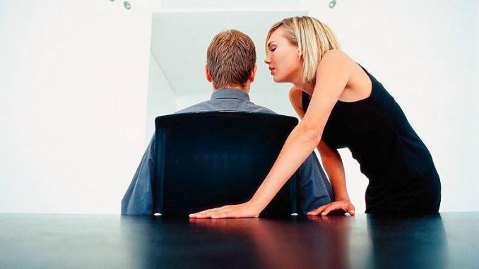 Perseguita e molesta il suo medico, non dovrà avvicinarsi a lui