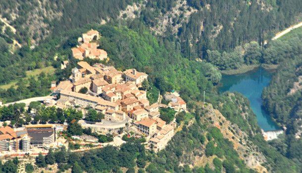 Risultato immagini per castello di postignano WIKI