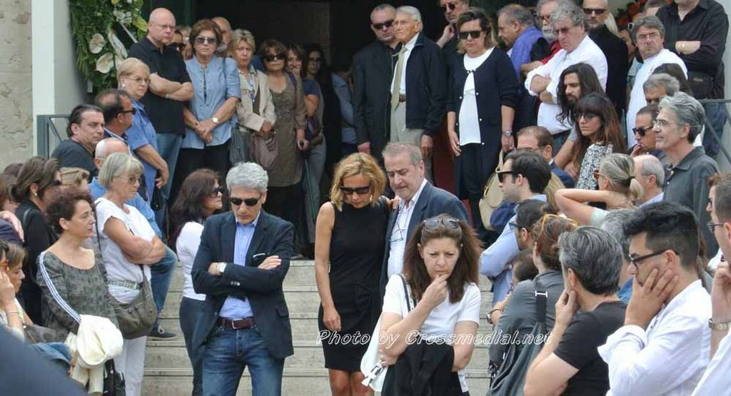 Funerali Sergio Piazzoli - con presenza Patrizia Marcagnani (27)