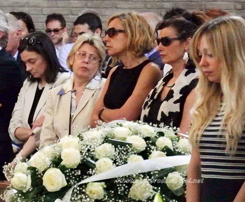 Funerali Sergio Piazzoli - con presenza Patrizia Marcagnani (6)