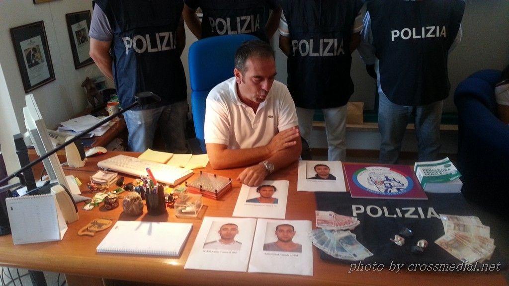 conferenza-questura-4-arresti (2)