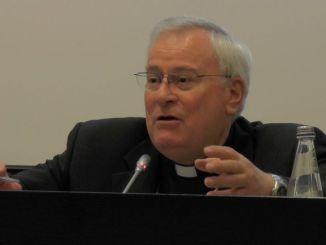 Cardinale Gualtiero Bassetti sulle colonne de «L'Osservatore Romano» parla della «follia terroristica»
