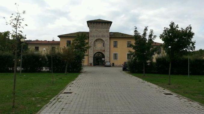 Perugia, CasaPound: bando accoglienza Arci e Caritas si spartiscono il bottino