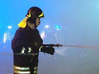 Vigili del fuoco i più amati dai cittadini, le medaglie non bastano però