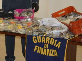 Guardia di finanza sequestra 250 mila prodotto, festività in sicurezza
