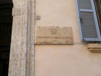 Seduceva e derubava gli anziani, denunciata da polizia Assisi