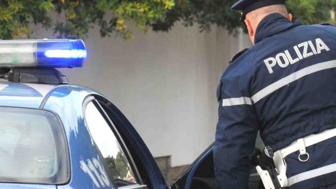 Giovanissimo straniero denunciato dalla Polizia, andava in giro con scooter rubato
