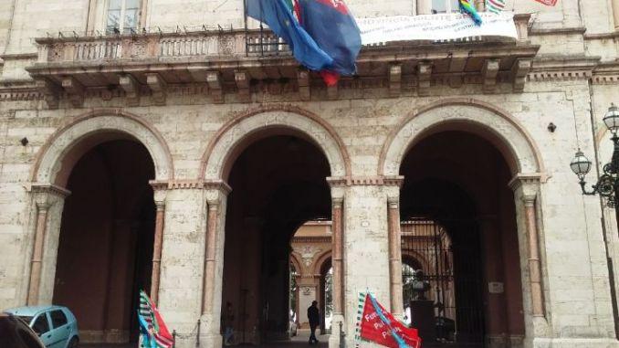 Province: la trattativa prosegue, anche se rimane lo stato di agitazione