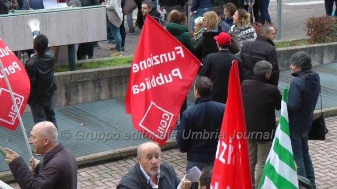 Vertenza province, Associazione Sinistra Lavoro, sostegno ai lavoratori