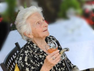Campane a festa per i 100 anni di Annetta