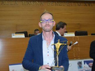 Leonardo Cenci ha ritirato il premio Sciacca per le attività sociali