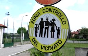 controllo del vicinato cartello
