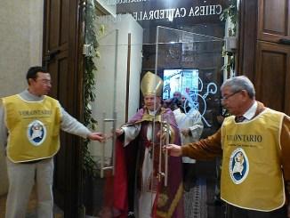 San Rufino aperta Porta, centinaia di fedeli ad Assisi