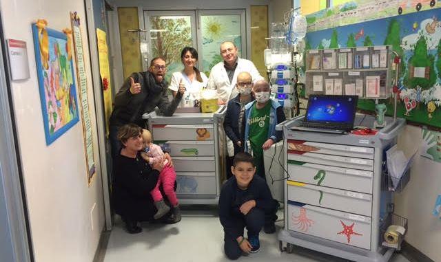 Donati due carrelli per le terapie al reparto di oncologia pediatrica