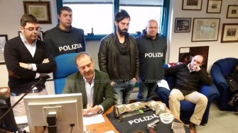 conferenza-arresto-bulgaro-droga-armi-ascensore (7)