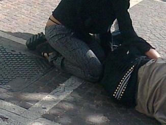 Zingara offre sesso ad un uomo e gli ruba portafogli con 600 euro