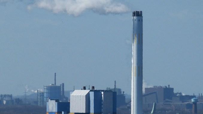 Inquinamento, Ast, su 200 camini Arpa ne controlla una decina