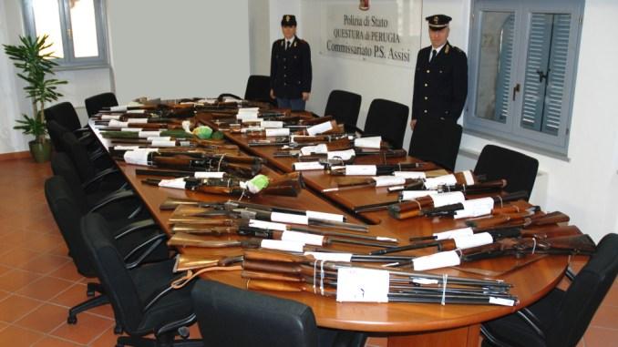 Detentori di armi, verifiche straordinarie della Polizia