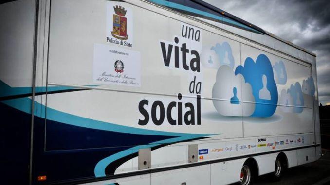 Una vita da social, torna a Perugia e Terni, per il Safer Internet Day 2016