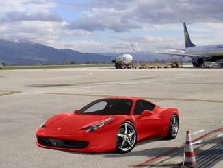 Parcheggia la Ferrari sulla pista dell'aeroporto, peggio per lui...ehm!