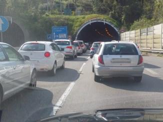 Perugia città prigioniera del traffico, caos per lavori dei cantieri infiniti