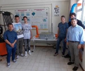 Rosselli-Eht - Sciurpa con studenti