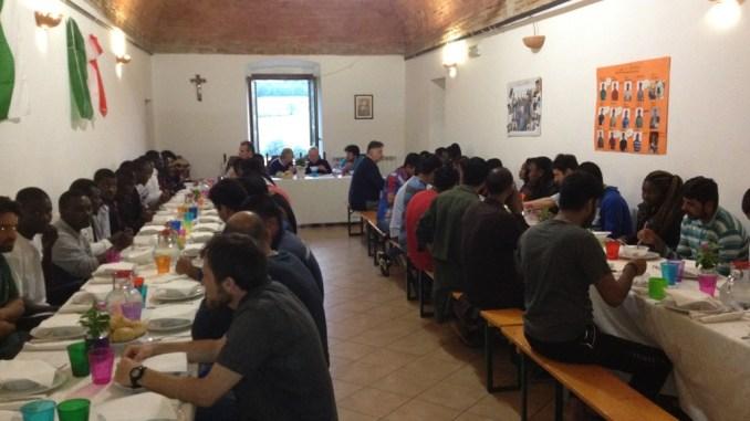 Cardinale Bassetti a Perugia ha incontrato 62 giovani profughi