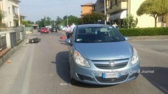 incidente-auto-ciclomotore-via-santa-lucia (5)