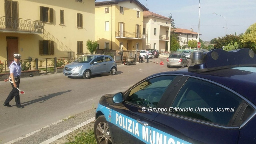 incidente-auto-ciclomotore-via-santa-lucia