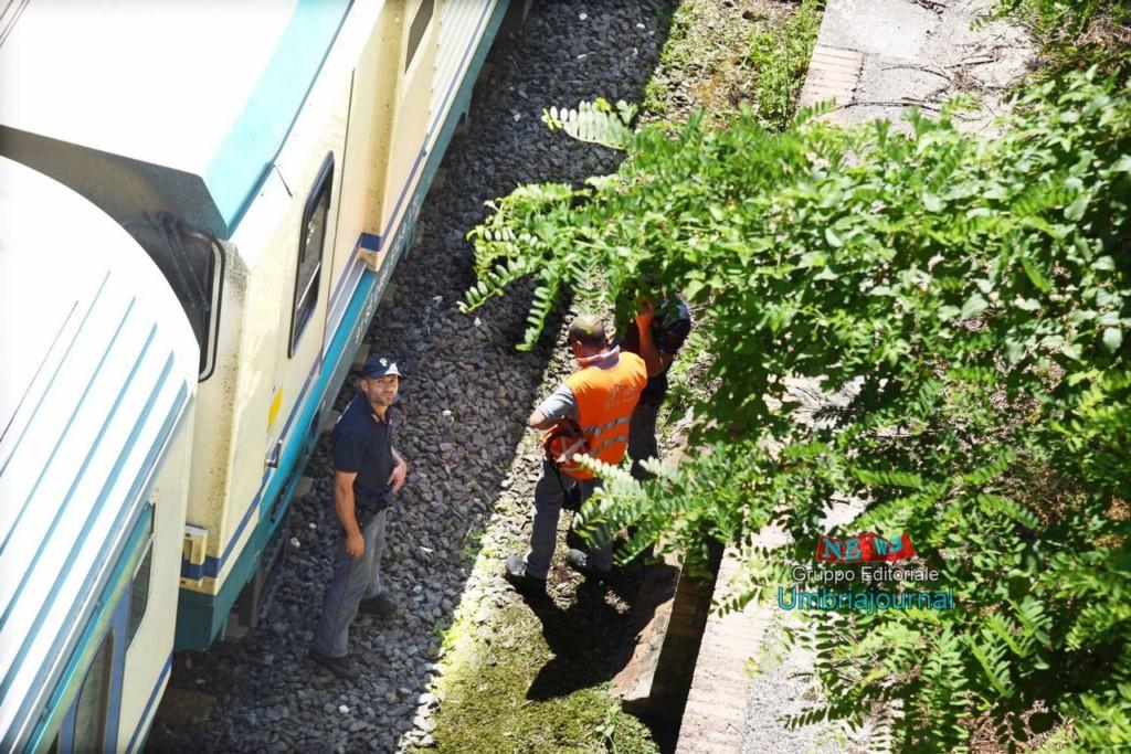 morto-sotot-a-un-treno (7)