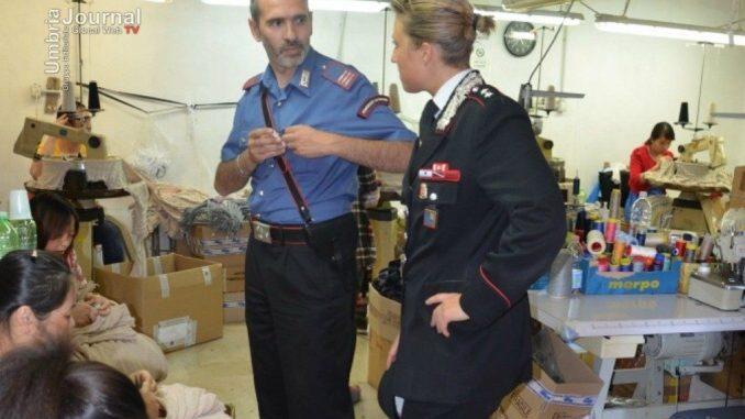 Blitz dei Carabinieri nei negozi cinesi, raffica di multe