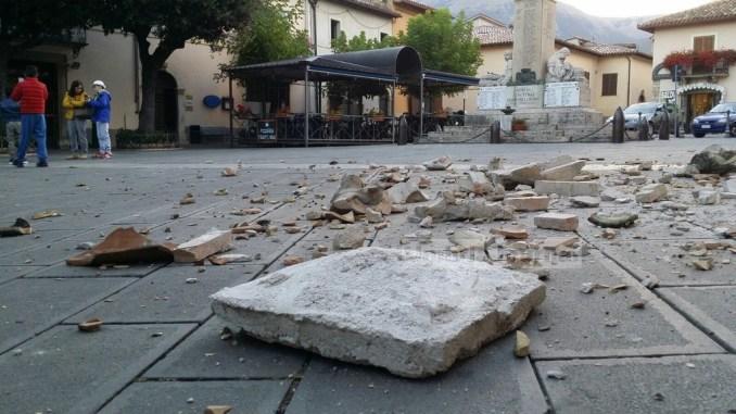 Violento terremoto nel Centro Italia, l'ennesima strage, oltre 20 morti