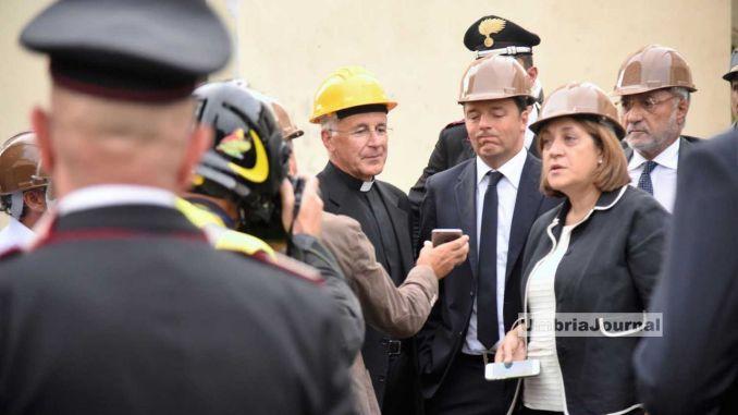 Terremoto, Matteo Renzi a San Pellegrino e a Norcia