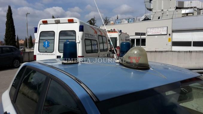 Un uomo cerca di rubare ambulanza al pronto soccorso di Perugia, era ubriaco