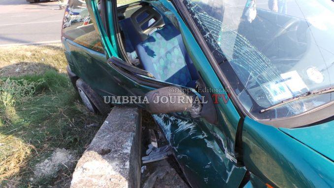 Incidente lungo la Pievaiola a Perugia, tre persone ferite [FOTO]