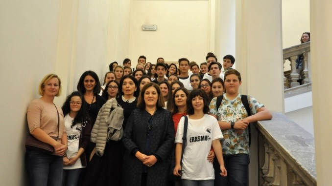 Presidente Marini riceve studenti Erasmus a Palazzo Donini a Perugia