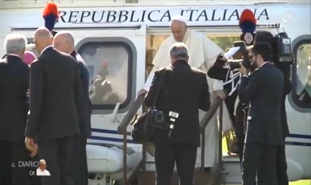 Sete di Pace, Papa Francesco è atterrato ad Assisi