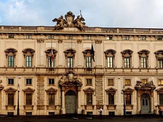 Decreto sicurezza Consulta accoglie ricorso Umbria su poteri prefetti