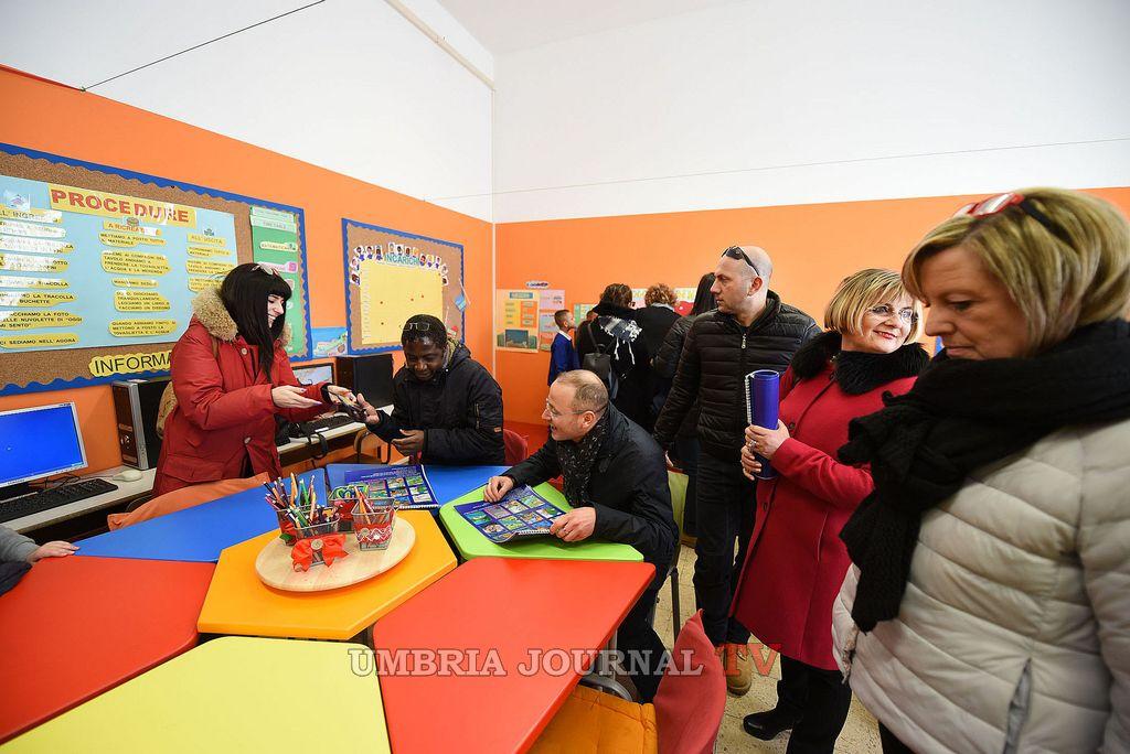 Progetto 'Scuola Senza Zaino', inaugurato questa mattina alla primaria Bonucci di Ponte Felcino