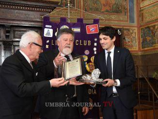Consegnato il premio Lions Città di Perugia al sindaco Romizi