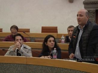 Consiglio comunale Perugia, polemica social tra Giubilei e Arcudi