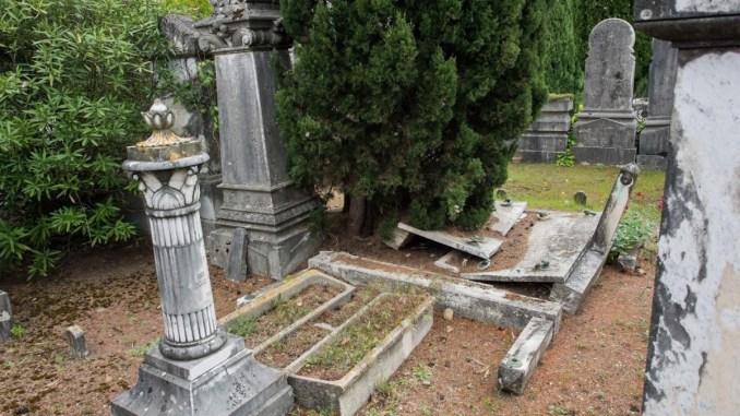 Cimitero ebraico di Perugia nell'incuria e abbandono, denuncia sociale