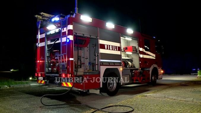 Uomo si smarrisce tra i boschi di Perugia, le ricerche dei Vigili del fuoco