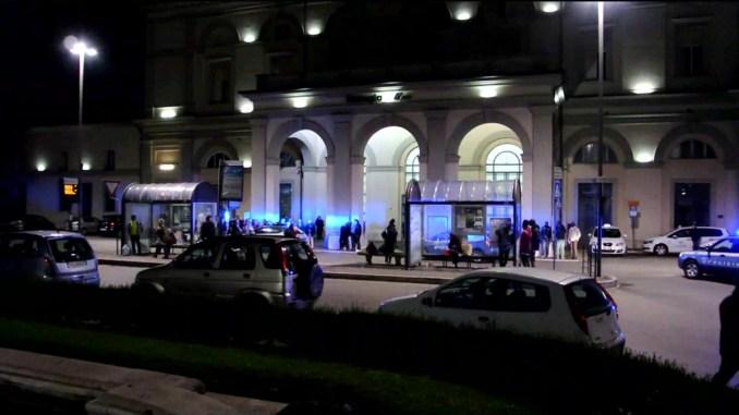 Rapina minorenne a Fontivegge ne minaccia altri due, nordafricano irregolare arrestato
