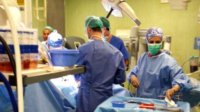 Auto in un burrone, conducente operato in ospedale a Perugia, è grave