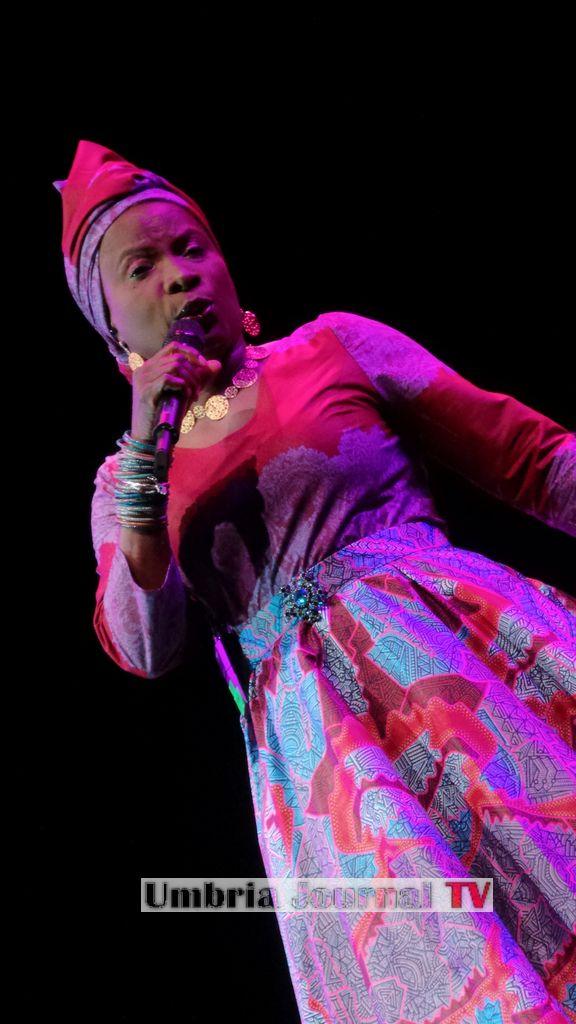 Angelique Kidjo (7)