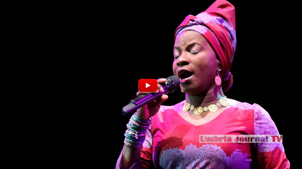 Angelique Kidjo,1